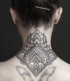 Super tattoo mandala back neck tatoo Ideas Diy Tattoo, Home Tattoo, Henna Tattoos, Tattoo Nape, Backpiece Tattoo, Foot Tattoos, Body Art Tattoos, Samoan Tattoo, Polynesian Tattoos