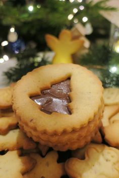 recette sablés de Noël Easy Christmas Cookie Recipes, Christmas Desserts, Christmas Treats, Holiday Recipes, Noel Christmas, Christmas 2019, Easy Cake Recipes, Sweet Recipes, Baking Recipes