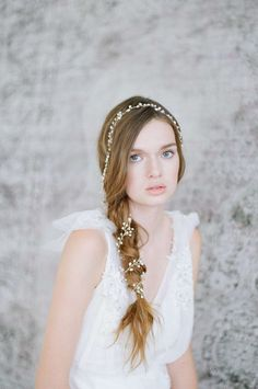 Veils & Hair Accessories Archives - Chic Vintage Brides : Chic Vintage Brides