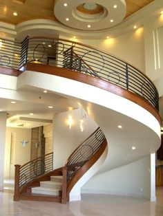 Best Kreative Wege zur LED Beleuchtung bei diesem Treppenhaus Kreise mit verschiedenen Gr e als Deko