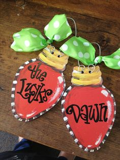 Would be super cute to decorate a dorm for Christmas! Personalized ornaments Www.dondeehicks.com