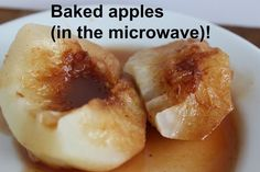 Delicious baked apples made in the microwave. This is a very easy and quick recipe. A scoop of ice cream makes this the perfect dessert! Quick Apple Dessert, Apple Dessert Recipes, Apple Recipes, Easy Desserts, Delicious Desserts, Snack Recipes, Cooking Recipes, Yummy Food, Healthier Desserts
