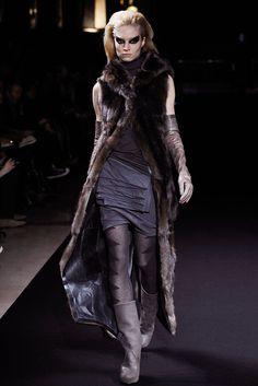 Rick Owens Fall 2010 Ready-to-Wear Fashion Show - Melissa Tammerijn