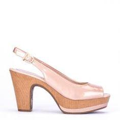 Peeptoe Weekend by Pedro Miralles en charol rosa  #shoes #ss16 #inspiration  #shoeporn #sandals #zapatos #moda #calzado