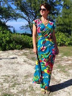 Tropical Wrap Dress maxi dress pattern hack - So Sew Easy Clothing Patterns, Dress Patterns, Sewing Patterns, Trendy Dresses, Fashion Dresses, Diy Fashion, Simple Dress Pattern, Maxi Wrap Dress, Wrap Dresses