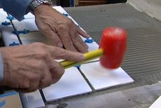 How to Lay Ceramic Tile on a Laminate Countertop