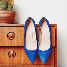 Blue suede shoes... On point.