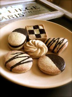 Felt Cookies by AtelierV on Etsy, $18.00