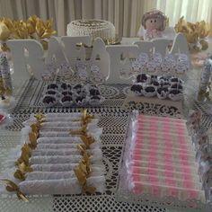 A mesa da Rafa ficou linda com produtos da COLORINDO MOMENTOS 😍😍😍 #personalizados #lembrancinhas  #colorindomomentos #batizado #balasdegomapersonalizadas #toppers #tubetespersonalizados #paodemel #sabonetespersonalizados