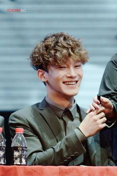 Curly haired Chen is my favorite look on him. <3