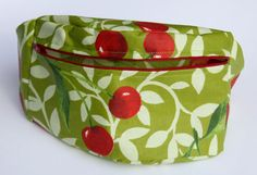 (Fanny Pack / Bumbbag / Bum Bag / Hip Pouch) Pattern, Tutorial & How To - blog post is in French.