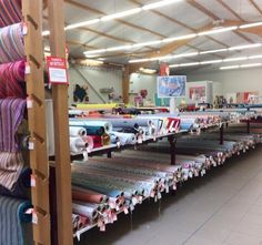 Voici mes bonnes adresses de fournisseurs de tissus et de mercerie pour réaliser vos jolies projets couture. Tissus au mètre et articles de mercerie...