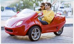 Scoot Coupe Debuts Three-Wheel Scooter. I want this so bad.