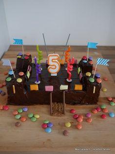gâteau d'anniversaire château fort : recette facile et détaillée pas à pas