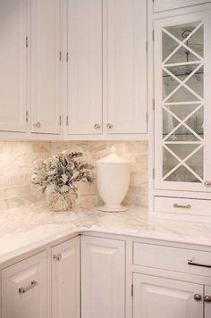 White Kitchen Cabinets, Kitchen Redo, Home Decor Kitchen, Kitchen Interior, Design Kitchen, Small Kitchen Backsplash, White Cabinets White Countertops, Teal Kitchen, Kitchen Counters