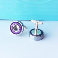 Purple Skater Cufflinks, upcycled bearing, skateboarder, roller skater, scooter, geeky wedding, grooms accessories, groomsmen gift on Etsy, 15,01€