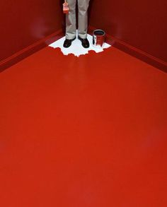 Need to escape! ... What a pity, he doesn,t know hoy todo paint floors!