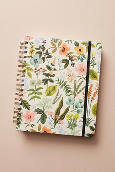 Rifle Paper Co. Penned Posies Planner Anna Bond is the whimsical whirlwind behind Rifle Paper Co, the Florida-based stationery boutique and design studio whose heartfelt notecards and quirky journals have us smitten. Anthropologie Gifts, Cute Diary, Dear Diary, 2018 Planner, Agenda Planner, Planner Journal, Cute Notebooks, Journals, Cute Stationary