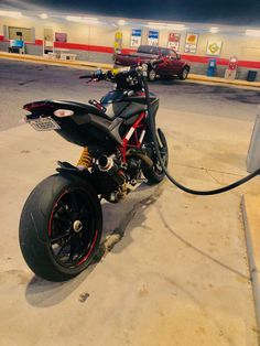 Ducati Hypermotard, Moto Bike, Motorcycle Garage, Motard Bikes, Bmw 1000rr, Vrod Custom, Cool Dirt Bikes, Jetta Mk5, Motorcross Bike