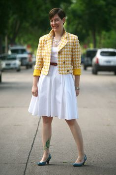 Already Pretty outfit featuring yellow houndstooth vintage blazer, white dress, red belt, turquoise pumps