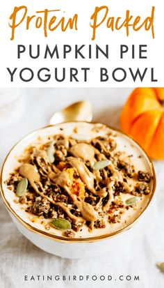 This protein packed pumpkin pie yogurt bowl is the perfect fall breakfast. Loaded with protein-packed yogurt, pumpkin puree, pumpkin pie spice and all your favorite toppings! #pumpkinyogurt #pumpkin #yogurtbowl #proteinpacked #proteinrecipe #proteinbreakfast #glutenfree Healthy Cookie Recipes, Healthy Menu, Low Carb Recipes, Healthy Snacks, Healthy Breakfasts, Healthy Eats, Pumpkin Yogurt, Pumpkin Puree, Pumpkin Spice