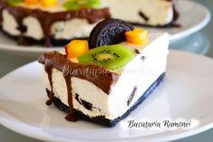 Cheesecake Oreo este un desert iubit si cunoscut in toata lumea, datorita gustului sau deosebit si a faptului ca se prepara rapid si usor. Oreo Cheesecake, Food Cakes, Biscuit, Cake Recipes, Deserts, Pudding, Cooking, Mini, Cakes