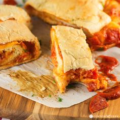 This Pepperoni Pizza Bread Roll-Up is such a fun recipe for parties, just oozing with lots of melty mozzarella cheese, your favorite pizza sauce, and pepperoni or any other pizza toppings of your choice. Roll Ups Recipes, Pork Recipes, Cooking Recipes, Pizza Recipes, Skillet Recipes, Cooking Tools, Recipies, Cinnamon Roll Bread, Cinnamon Rolls