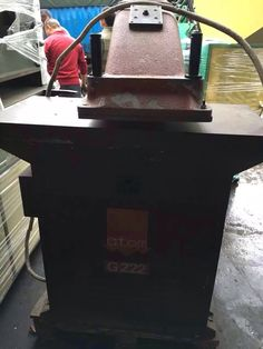 Second Hand ATOM G222  swing arm cutting machine FUSTELLATRICI OLEODINAMICHE A BRACCIO ROTANTE CE OILDYNAMIC CLICKING PRESSES WITH TURNING ARM CE (G999,G222,SL999.SE20 SE22 SE25  VS922 VS925 PL1250 etc.)