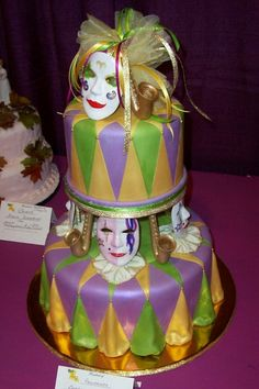 Mardi Gras Food, Mardi Gras Party, Gorgeous Cakes, Amazing Cakes, Biscuits, Cake Central, Fall Wedding Cakes, Just Cakes, Cake Images