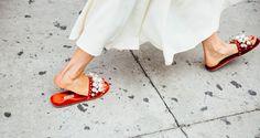 Πέρλες όχι στο λαιμό αλλά στα παπούτσια! Νέα τάση, φόρα τα όπως οι bloggers