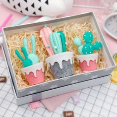 Buy a DIY Felt Succulent Kit and bring southwestern flavor to your favorite spaces. Find creative products for crafters at the Apollo Box. Felt Diy, Handmade Felt, Felt Crafts, Diy Crafts, Diy Angel Wings, Paper Quilling For Beginners, Cactus Craft, Felt Cake, Felt Succulents