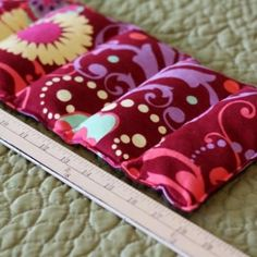 homemade rice heating pad- this is going to be a fun christmas gift to make. homemade rice heating pad- this is going to be a fun christmas gift to make. Diy Projects To Try, Crafts To Do, Craft Projects, Project Ideas, Sewing Hacks, Sewing Tutorials, Sewing Patterns, Fabric Crafts, Sewing Crafts