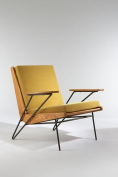 1953 Vintage Armchair | Design: Pierre Guariche | Ash, black enameled metal, upholstered