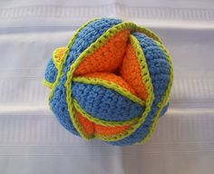 Ravelry: Amish Puzzle Ball ~ This thing is cool. {pattern available}