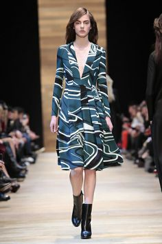 Guy Laroche Ready To Wear Fall Winter 2014 Paris - NOWFASHION