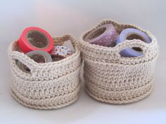 Petits paniers Sous le figuier - Free tutorial: http://www.ravelry.com/patterns/library/chunky-crocheted-basket