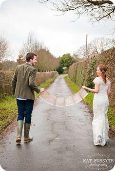 Mr and Mrs sign - Fun creative farm wedding photos - Niki & Andrew by Kat Forsyth
