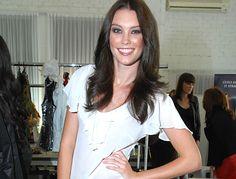 Kristy Coulcher, Miss Universe Australia 2013 finalist Universe, Australia, V Neck, T Shirts For Women, Beauty, Tops, Fashion, Moda, Fashion Styles