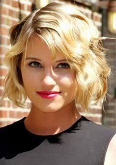 Short Wavy Bob Haircuts for 2013 Short Wavy Haircuts, Short Wavy Bob, Wavy Bob Hairstyles, Short Hairstyles For Women, Short Blonde, Celebrity Hairstyles, Summer Hairstyles, Female Hairstyles, Hairstyle Short