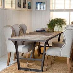 Spisebord som skiller seg ut