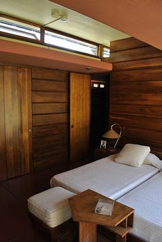 Master bedroom in Lowell Walter House/ Cedar Rock. Quasqueton, Iowa . Usonian. Style. 1950.  Frank Lloyd Wright