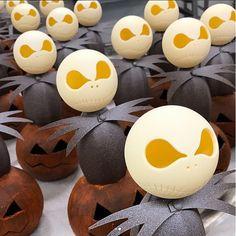 Quentin Bailly chocolat Jack Skellington, Tim Burton, Chocolat Halloween, Organic Wine, Sparkling Wine, Prosecco, Sweets, Instagram, Pastries