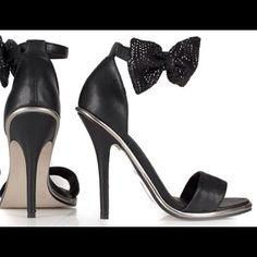 """Strappy Bow Sandal 4 1/2"""" heel. Bow is removable. Genuine Leather. In good condition. So girly! Topshop Shoes"""