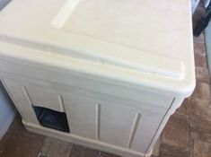 If You Have Kitties, You NEED This Litter Box Trick Home Depot Cabinets, Old Cabinets, Microwave Stand, Litter Box Covers, Litter Pan, Cat Toilet, Plastic Bins, Habitat For Humanity, Dog Training