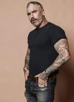Buff dude with tats holding of Talisman under arm Moustache, Mature Men, Older Men, Hair And Beard Styles, Good Looking Men, Bearded Men, Gorgeous Men, Hipsters, Sexy Men