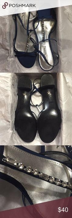 navy blue dress heels these are in practically brand new condition! worn once for a short wedding ceremony. 🔸 price negotiable 🔸 Nina Shoes Heels