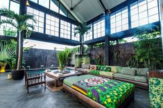 Tropical Warehouse Villa in Canggu, Bali Interior Garden, Home Interior Design, Interior And Exterior, Tropical House Design, Tropical Houses, Style At Home, Piscina Interior, Warehouse Living, Outdoor Spaces