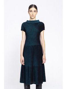 Платье с коротким рукавом и структурным рисунком