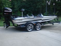 2010 Eyra 2 bass boat