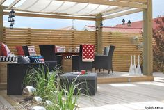 Another view of a modern, Swedish pergola. Pergola Attached To House, Deck With Pergola, Pergola Patio, Pergola Plans, Backyard Landscaping, Steel Pergola, Wooden Pergola, Outdoor Projects, Garden Projects